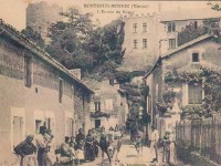 Montreuil Bonnin -  entrée du bourg