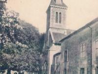 Montreuil Bonnin - Eglise et gendarmerie
