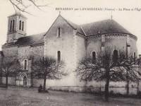 Benassay - La place et l'église