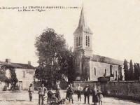 La Chapelle Montreuil - La place et l'église