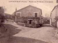 Lavausseau - Route de Parthenay et Lusignan